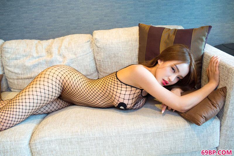 翻版李小璐小欧蕾丝情趣内裤写真照_嫩模和土豪酒店口爆吞精