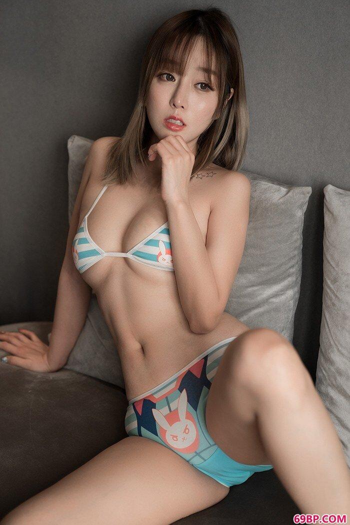 精品御姐王雨纯美丽内衣娇艳动人_gogo高清人体艺