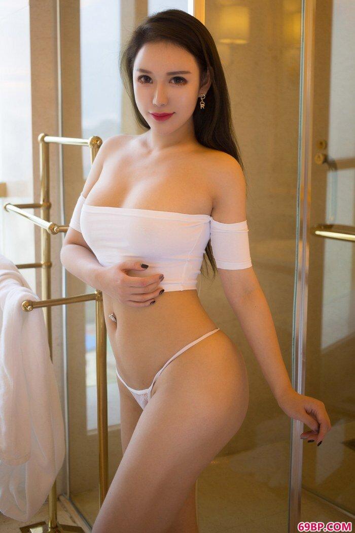冰山美人尤妮丝丰乳肥臀深夜撩人_337P张筱雨人