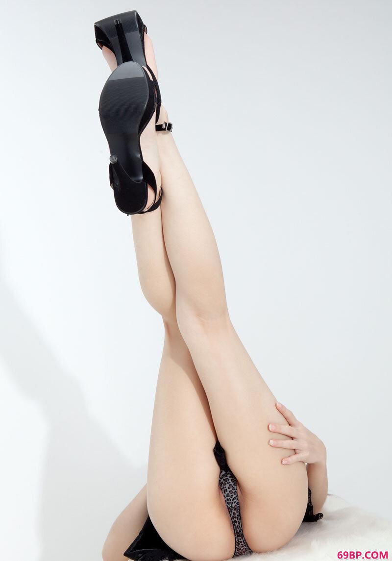 美腿名模第44期Sandy_国模小菲男女双人裸体