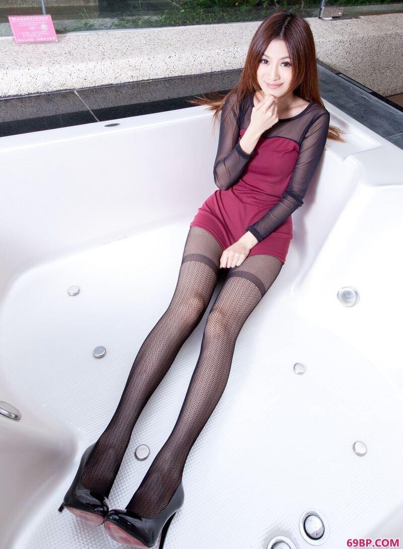 美腿嫩模第294期Vicni_西西人体钻石写真