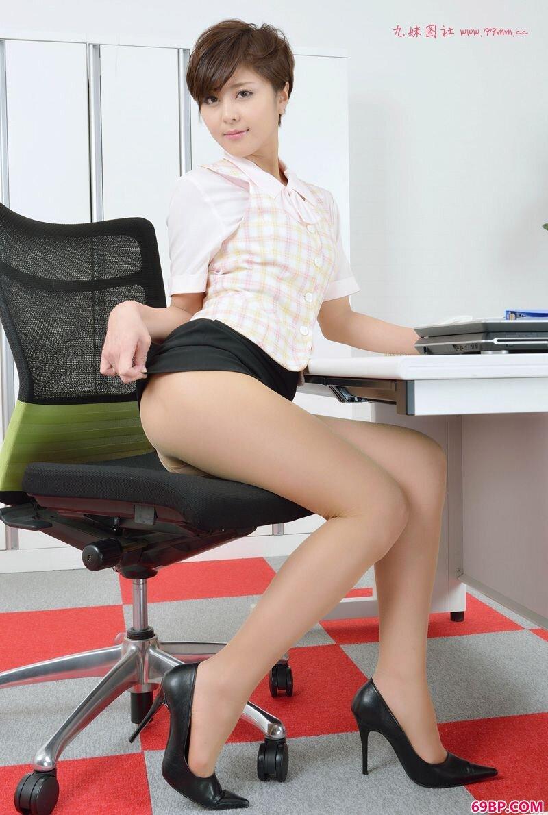 美腿嫩模第263期彩月みほ_gogo最新美少女人体艺术