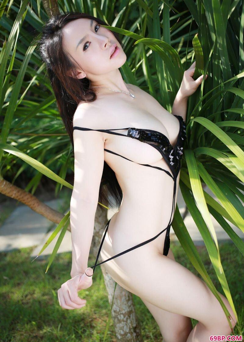 嫩白尤物潘娇娇勾魂私密图_又紧又窄11p
