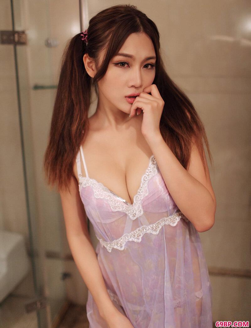 美颜嫩妹颖儿笑容绽放可人_西西人体中国版图片