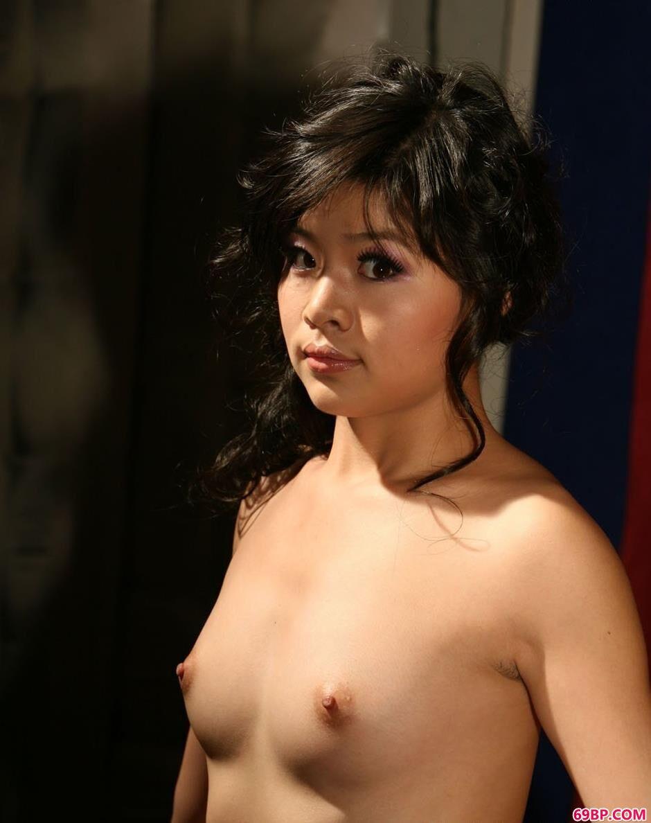 裸模菲林室拍抚媚人体