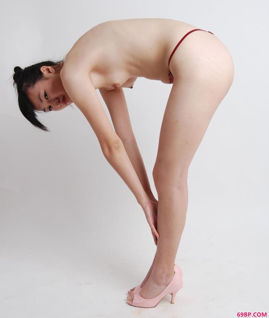 超模雅欣室拍清纯人体2