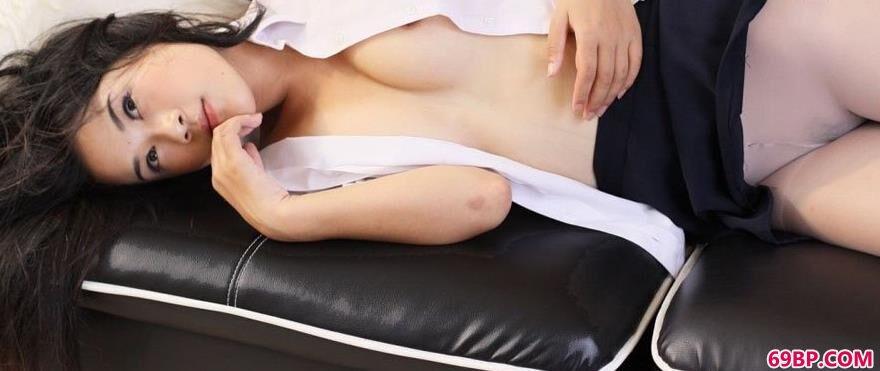 裸模蓉蓉居家人体图片3