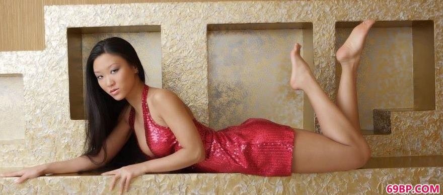顶级亚裔美模Mariko1_美国人与动性XXXXX
