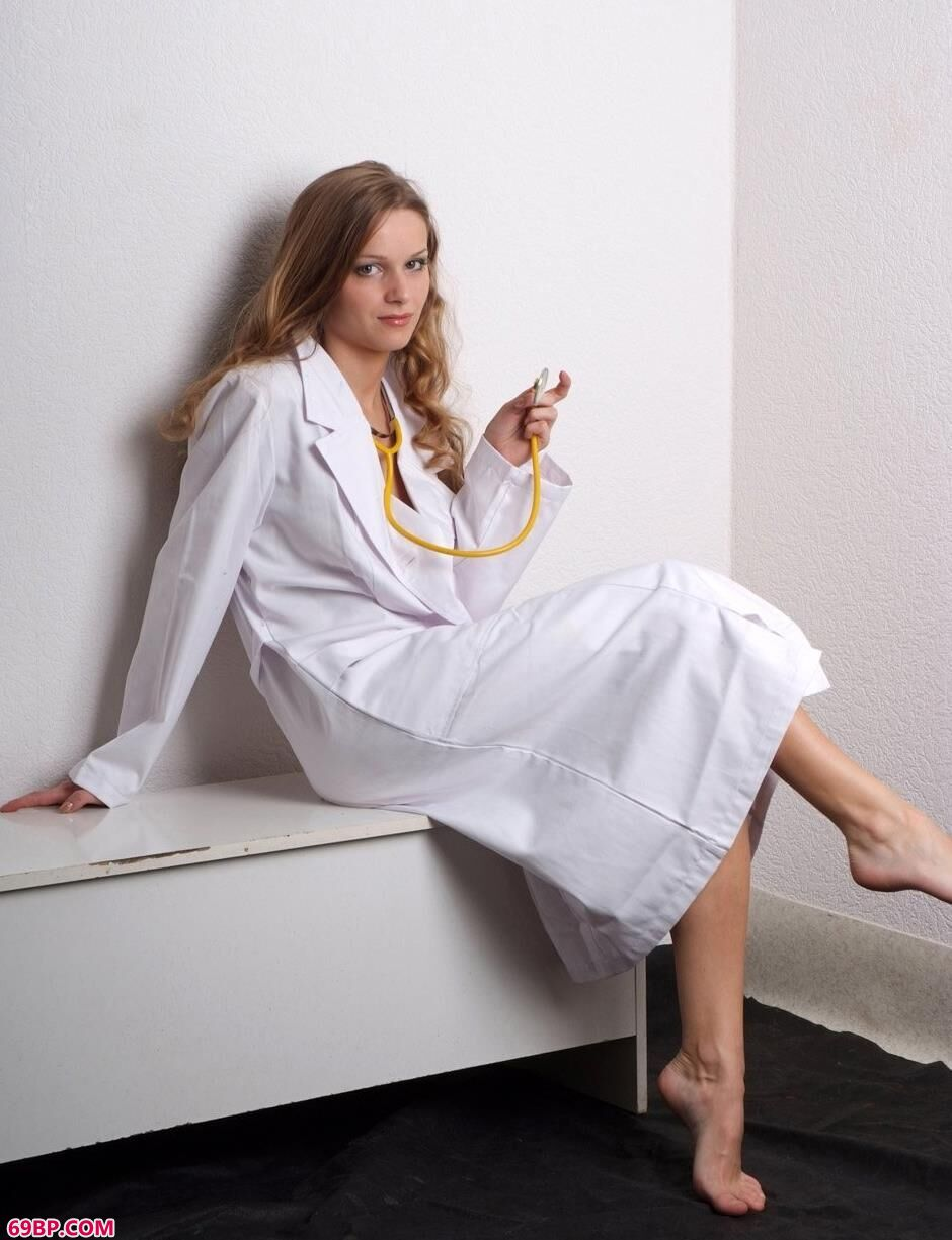 名模玛莎Masha室拍医生造型美体