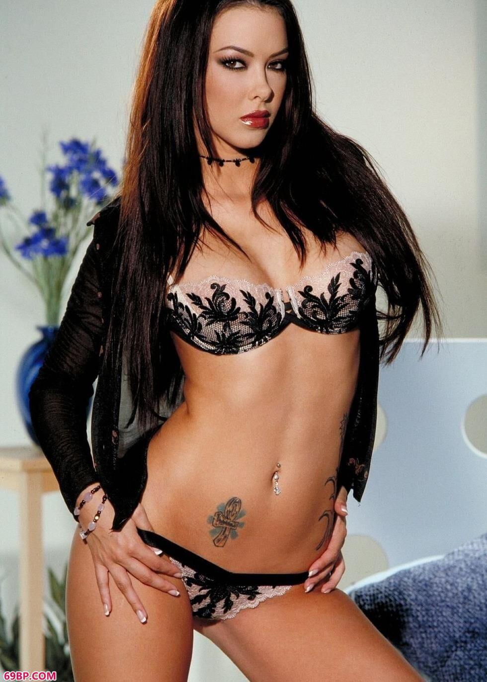 超模Natalia房间内的美丽人体