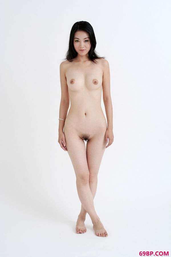 人妻野外露出撒尿20p_汤芳―《纯白》5